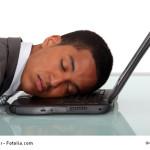 Müde im Büro ? Die kurze Siesta hilft !